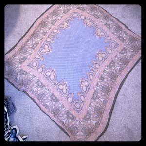 Accessories - Gorgeous Tapestry Scarf! Like new